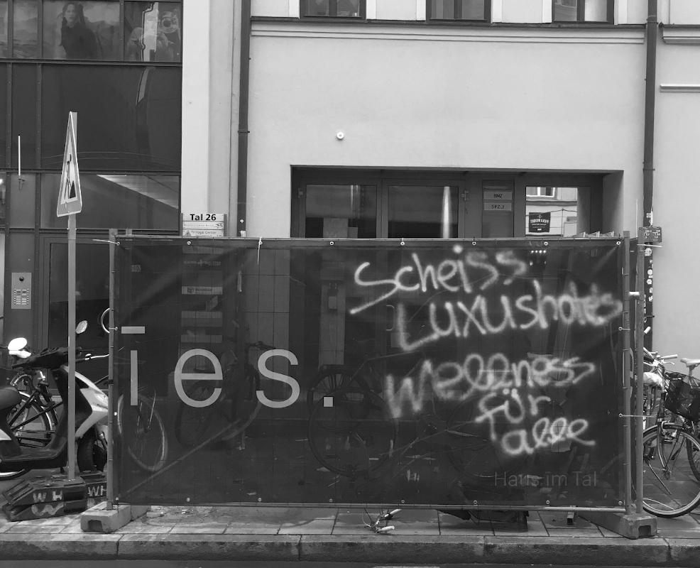 """""""Scheiss Luxushotels Wellness für alle"""""""