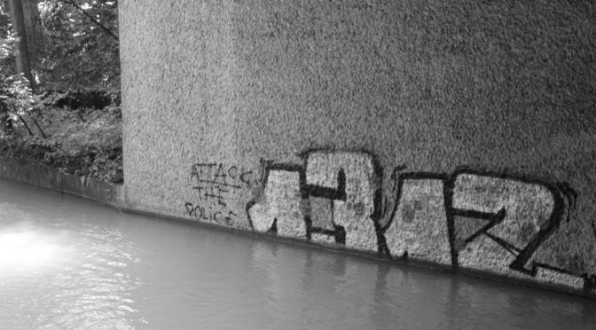 1312 Attack the Police – Graffito